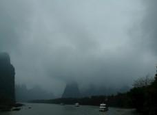细雨下的桂林山水