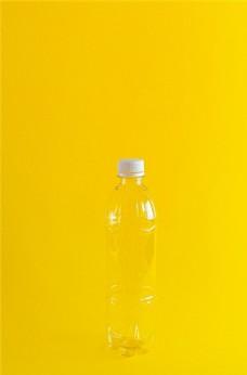 透明的塑料瓶