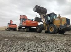 铲车挖掘机