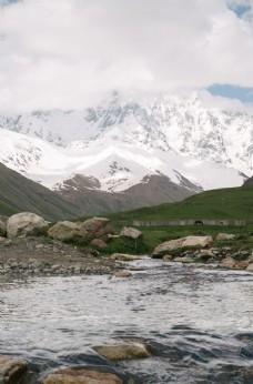 雪山 河流